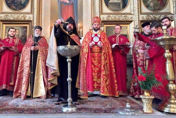 Photo of Վիրահայոց թեմի բոլոր եկեղեցիներում Սուրբ Ծննդյան և Աստվածհայտնության տոնը նշել են Սուրբ Պատարագով