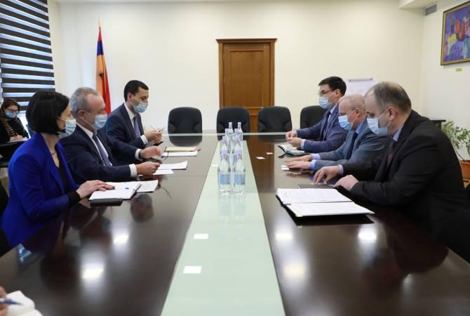 Photo of Обсуждены вопросы преподавания армянского и русского языков в Армении и РФ