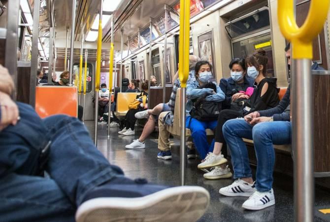 Photo of В такси и на судах. Американцев заставят носить маски в транспорте