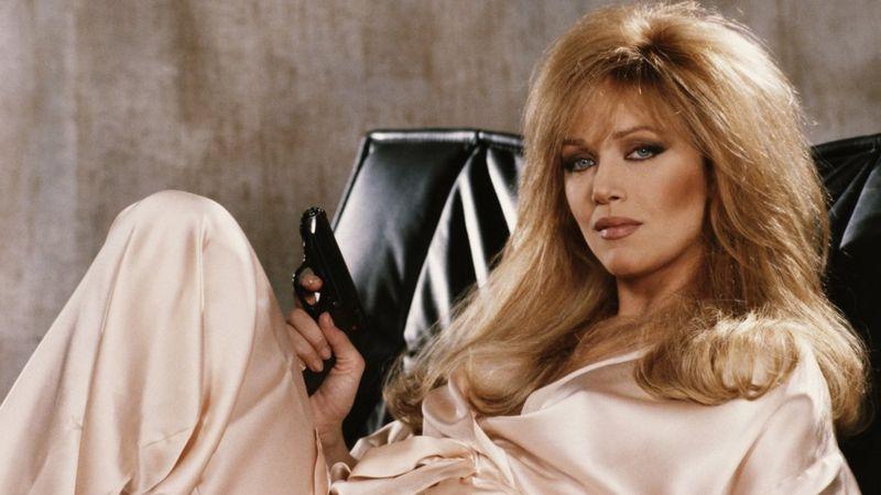 Photo of «Девушка Бонда — однажды и навсегда!» В Лос-Анжелесе скончалась актриса Таня Робертс