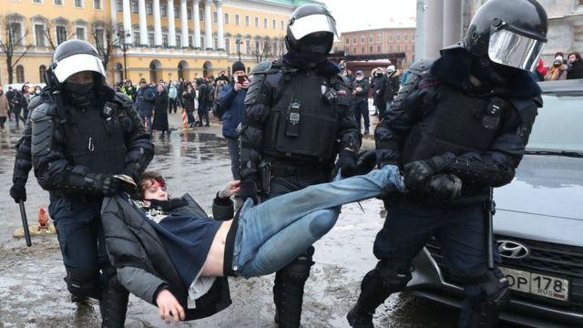 Photo of Ռուսաստանում բողոքի ցույցերի ընթացքում ձերբակալվել է ավելի քան 3,5 հազար մարդ