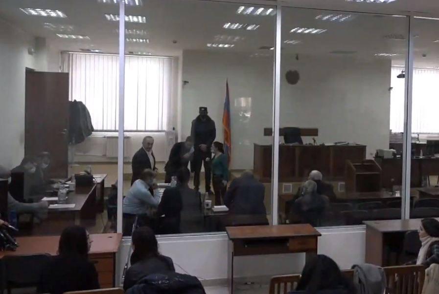 Photo of Երեւանում շարունակվում է Ռոբերտ Քոչարյանի եւ մյուսների գործով դատավարությունը