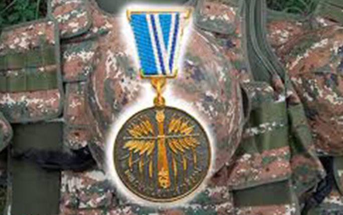 Photo of Նախագահը հետմահու պարգևատրել է մի խումբ զինծառայողների
