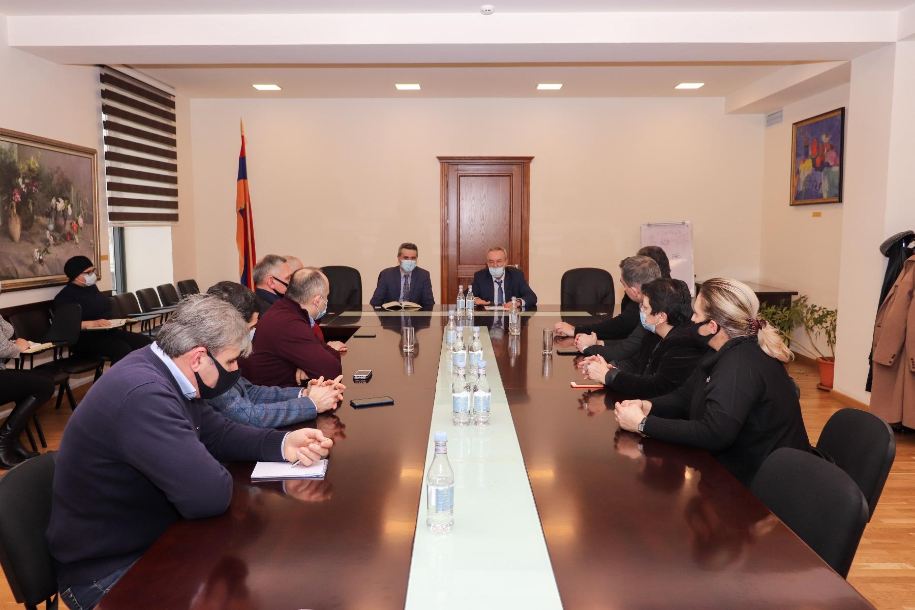 Photo of ԿԳՄՍ նախարար Վահրամ Դումանյանը հանդիպել է երաժշտահամերգային կազմակերպությունների ղեկավարների հետ
