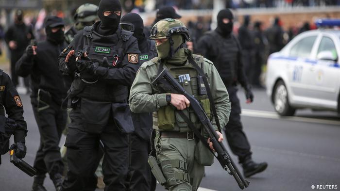 Photo of Оппозиция призывает признать режим Лукашенко террористическим