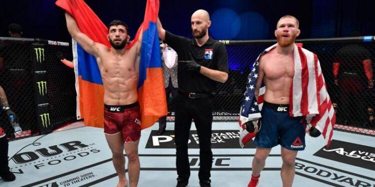 Photo of UFC 257. Արման Ծառուկյանը հաղթանակը նշել է հայոց եռագույնով