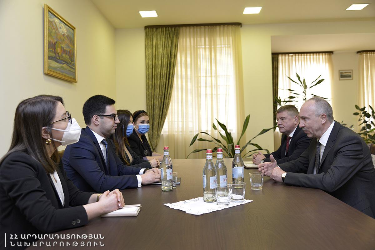 Photo of Ռուստամ Բադասյանը Բելառուսի դեսպանի հետ քննարկել է հակակոռուպցիոն պայքարին առնչվող մի շարք հարցեր
