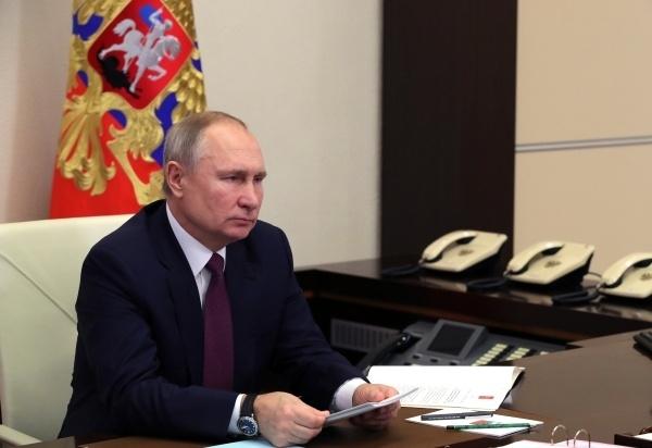 Photo of Песков опроверг слухи о вакцинации Путина от коронавируса