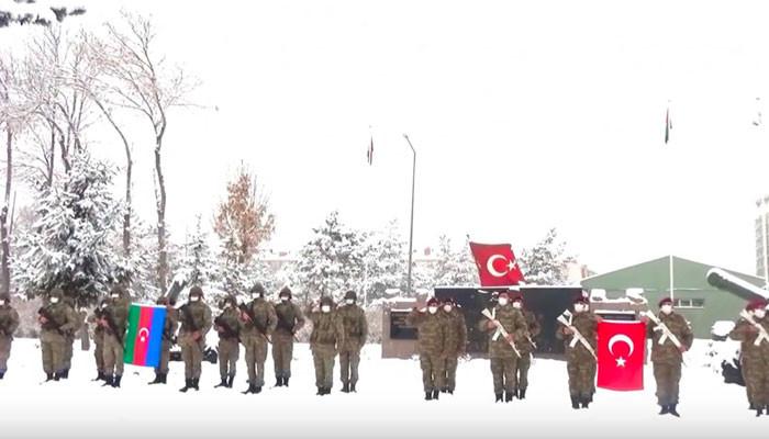 Photo of «Ադրբեջանի բանակն արդեն Կարսում է». Վարուժան Գեղամյան