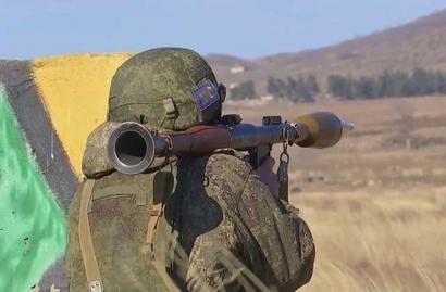 Photo of Արցախում ռուս խաղաղապահները կրակային պատրաստության պարապմունքներ են անցկացրել․ ՌԴ ՊՆ