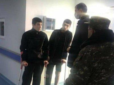 Photo of Սոցապ նախարարն այցելել է վիրավորում ստացած զինվորներին եւ պահեստազորայիններին