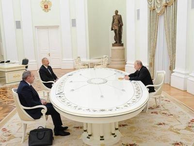 Photo of «Ъ»: Зачем в Москве встретились Ильхам Алиев, Никол Пашинян и Владимир Путин