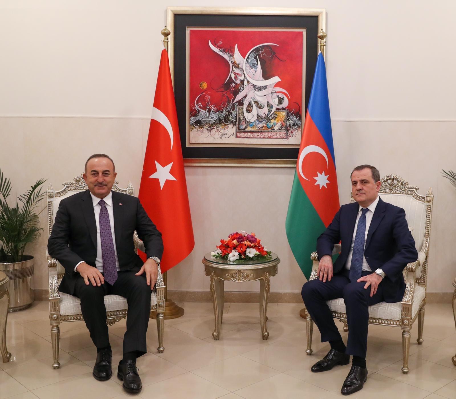 Photo of Իսլամաբադում հանդիպել են Թուրքիայի և Ադրբեջանի ԱԳ նախարարները
