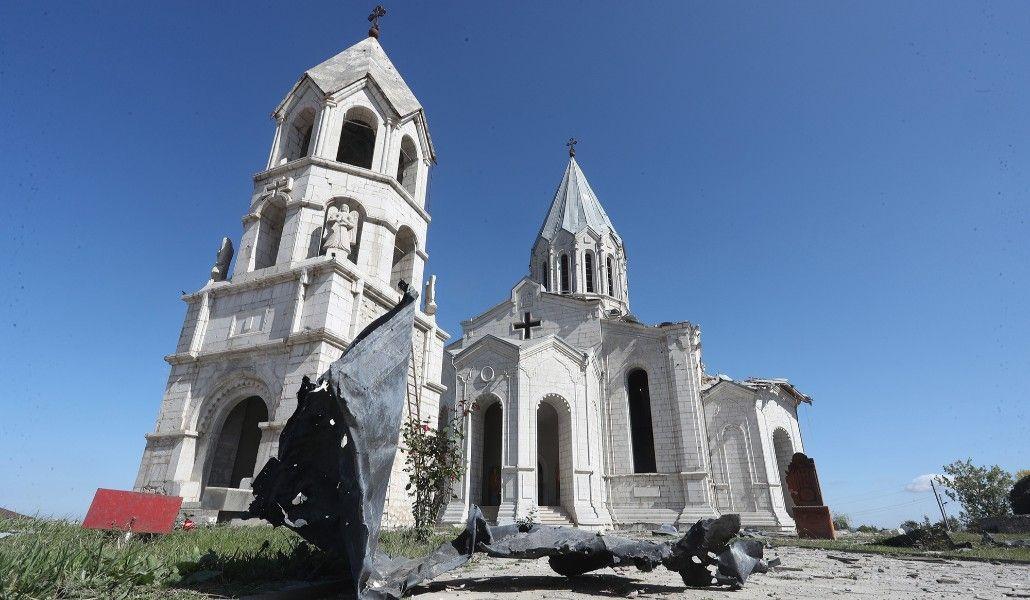 Photo of Ադրբեջանի վերահսկողության տակ են մնացել մեծամասամբ հայոց պատմության և մշակույթի առնվազն 1456 նշանավոր անշարժ հուշարձաններ. ԱՀ ՄԻՊ զեկույցը