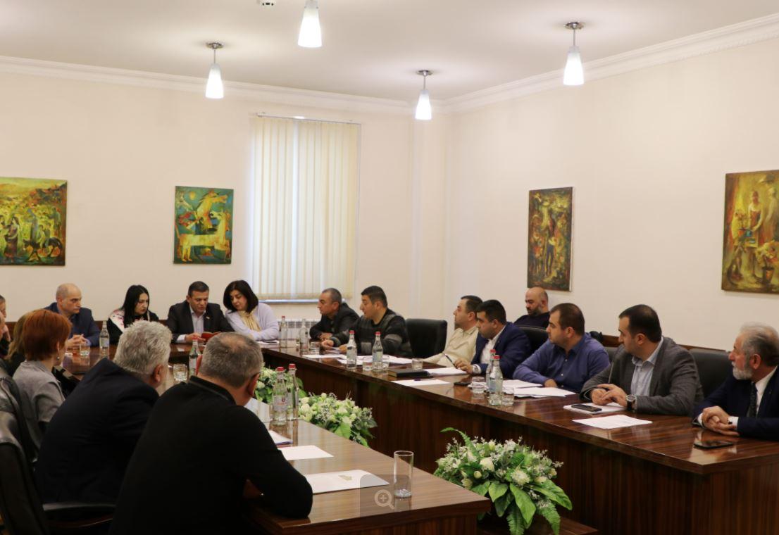 Photo of Տեղի է ունեցել ԱՀ Ազգային ժողովի ֆինանսաբյուջետային և տնտեսական կառավարման մշտական հանձնաժողովի նիստը