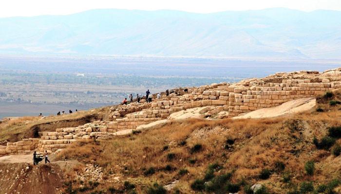 Photo of «Տիգրանակերտի պեղումների նյութերն ադրբեջանցիները ներկայացնում են որպես «անօրեն պեղումների արդյունք»». Համլետ Պետրոսյան