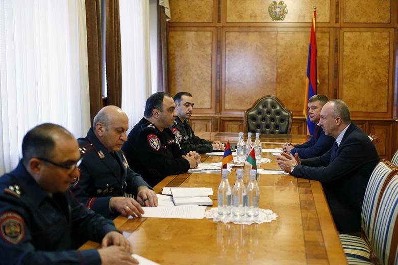 Photo of Ոստիկանության պետն ընդունել է Հայաստանում Բելառուսի արտակարգ և լիազոր դեսպանին