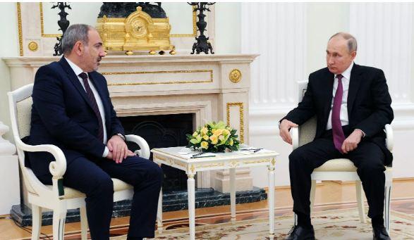 Photo of Путин и Пашинян обсудили по телефону ситуацию в Армении