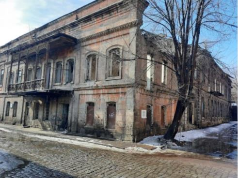 Photo of Какая судьба ждет знаменитое здание «Варем-Марем»? В результате многолетнего безразличия Министерства культуры здание находится на грани разрушения.