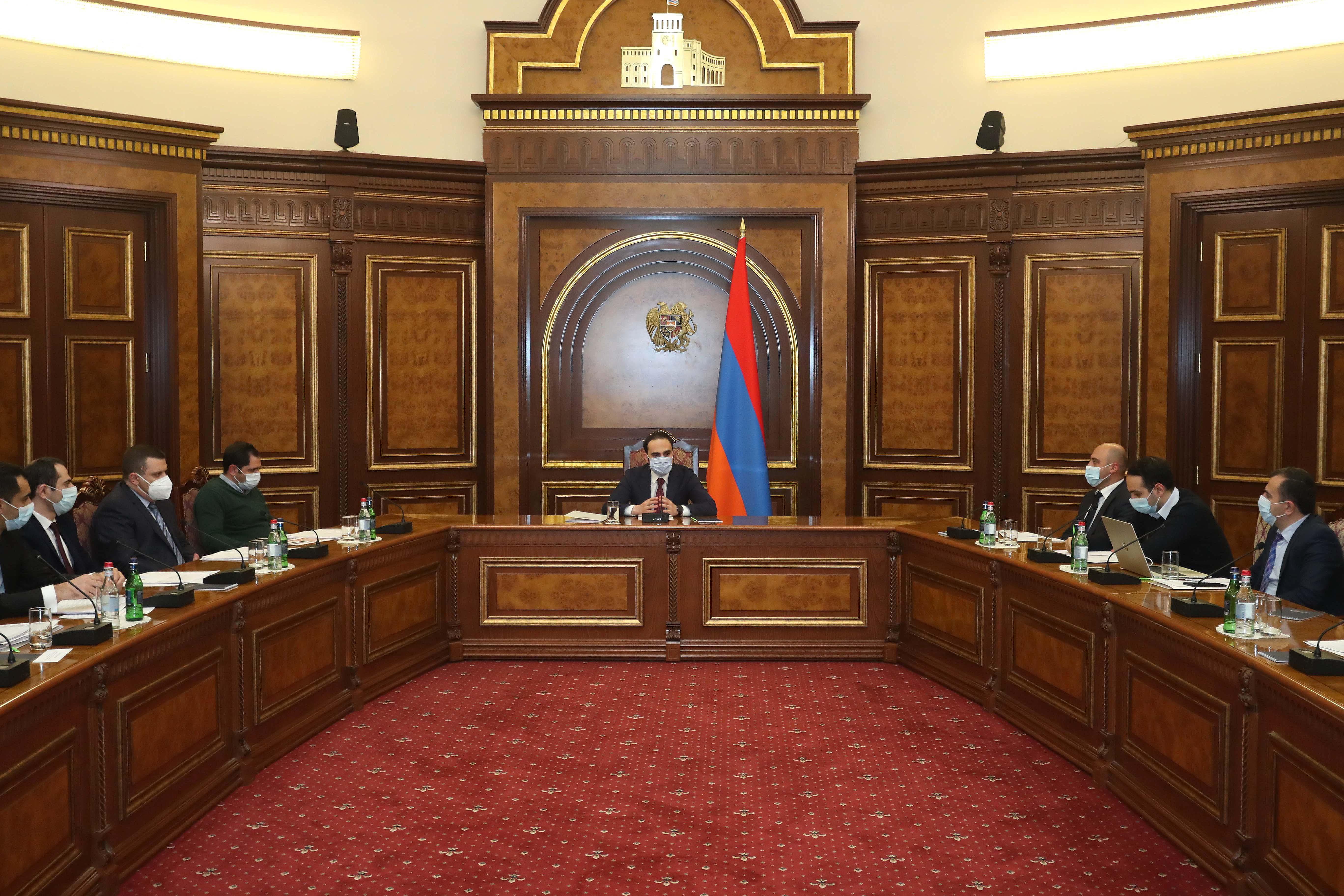 Photo of Փոխվարչապետի գլխավորությամբ տեղի է ունեցել միջգերատեսչական հանձնաժողովի նիստ