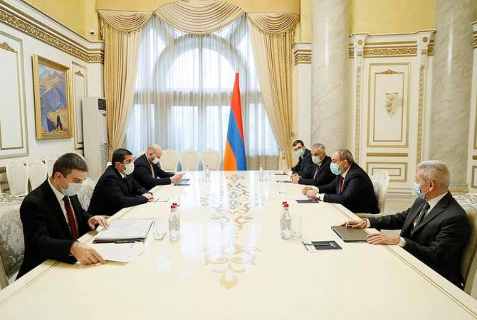 Photo of Пашинян и Арутюнян обсудили реализацию в Арцахе крупных инфраструктурных программ
