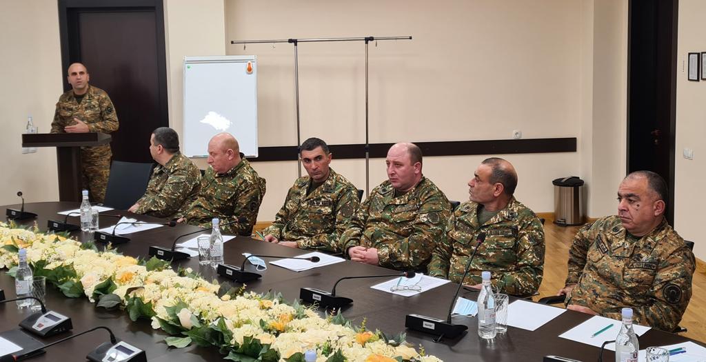Photo of Անցկացվել է հավաք-խորհրդակցություն՝ ԶՈւ ԳՇ զորքերի ծառայության վարչության պետ, գնդապետ Արա Պետրոսյանի ղեկավարությամբ
