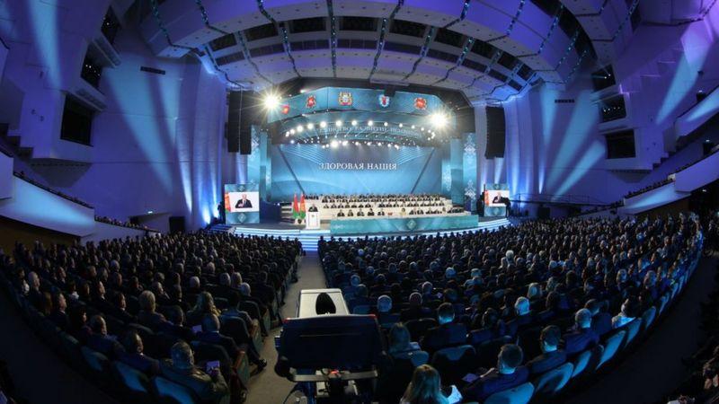 Photo of Лукашенко пообещал новую конституцию. Он готов делиться полномочиями, но хочет все контролировать