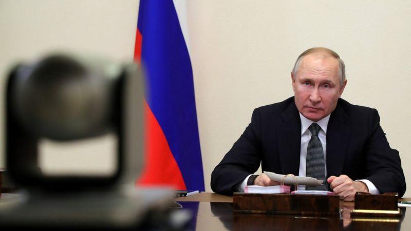 Photo of «Перебить никто не решался»: о чем Путин говорил с главными редакторами