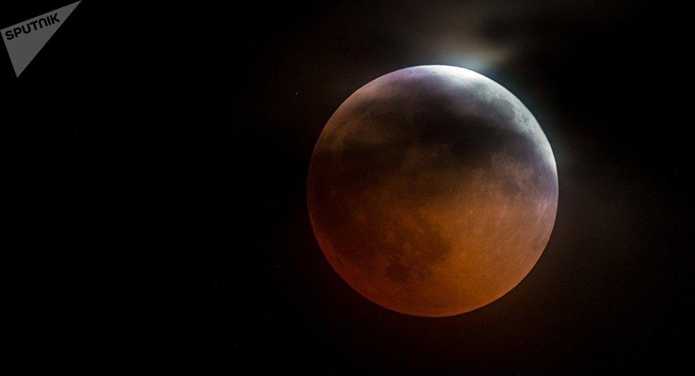Photo of Գիտնականներին ապշեցրել է Լուսնի վրա հայտնված քարե սյունը