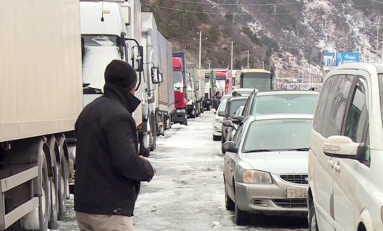 Photo of Լարսի մոտ՝ ռուսական կողմում կա մոտ 405 կուտակված բեռնատար ավտոմեքենա