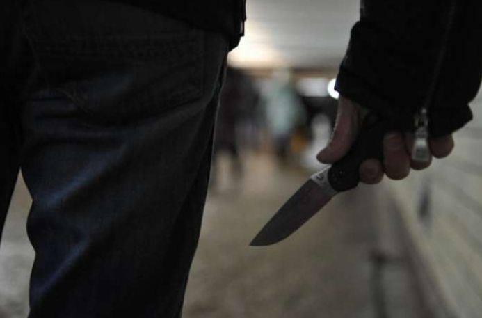 Photo of Միայնակ ապրող տարեց տղամարդու վրա հարձակվել են, դանակով հարվածել ոտքին և տնից գումար հափշտակել