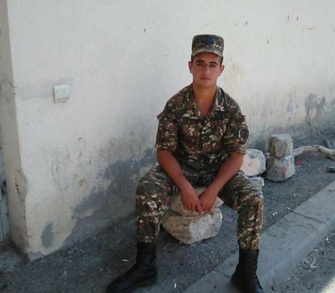 Photo of «Մինչև պատերազմը խաղաղ էինք, իսկ պատերազմից հետո՝ դատարկ. վիրավոր եղբայրս հրաժարվել է տեղափոխվել Երեւան՝ ասելով, որ ընկերներին մենակ չի թողնի»