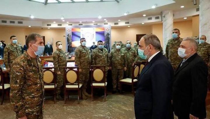 Photo of ՀՀ զինված ուժերի գլխավոր շտաբը պահանջում է վարչապետի ու կառավարության հրաժարականը