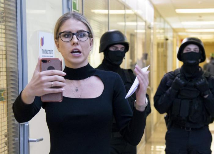 Photo of Соболь предъявили обвинение по делу о проникновении в квартиру предполагаемого сотрудника ФСБ