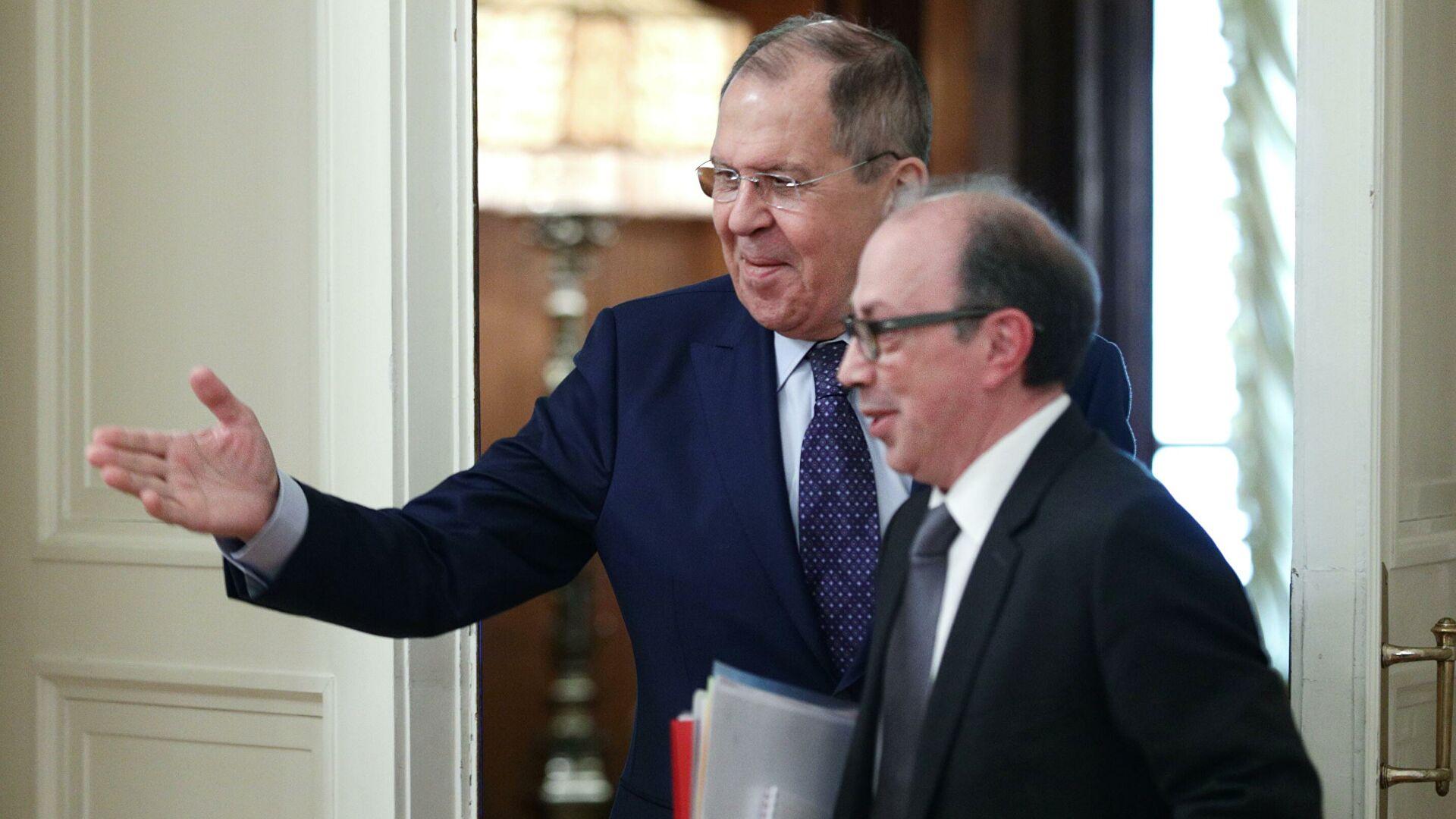 Photo of ՀՀ և ՌԴ արտգործնախարարները հեռախոսազրույց են ունեցել
