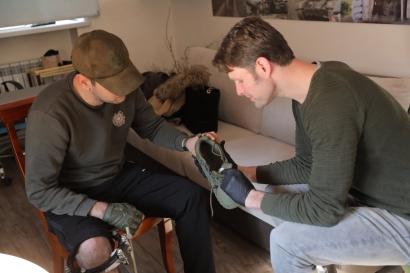 Photo of Հոլանդացի բժիշկը խորհրդատվություններ է իրականացնում Հայրենիքի պաշտպանի վերականգնողական կենտրոնում