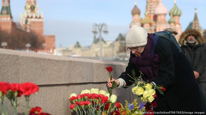Photo of В шестую годовщину убийства Бориса Немцова по всему миру проходят акции в его память