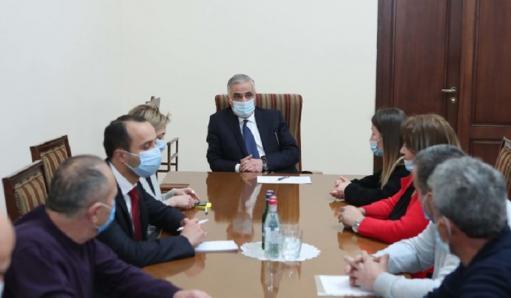 Photo of Քաշաթաղցիները փոխվարչապետին ներկայացրել են իրենց առջև ծառացած հիմնական խնդիրները