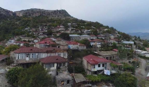 Photo of Քարահունջում վարկ վերցրած գյուղացիները կկորցնեն իրենց ապրուստի միջոցը. Թշնամին 2-3 կմ հեռավորության վրա է. Փաստինֆո