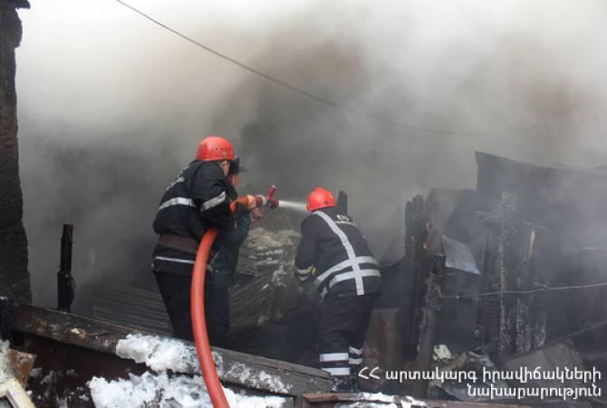 Photo of Գյումրիի Ավտոկայանի Բանավան թաղամասում բնակելի տնակ է այրվել