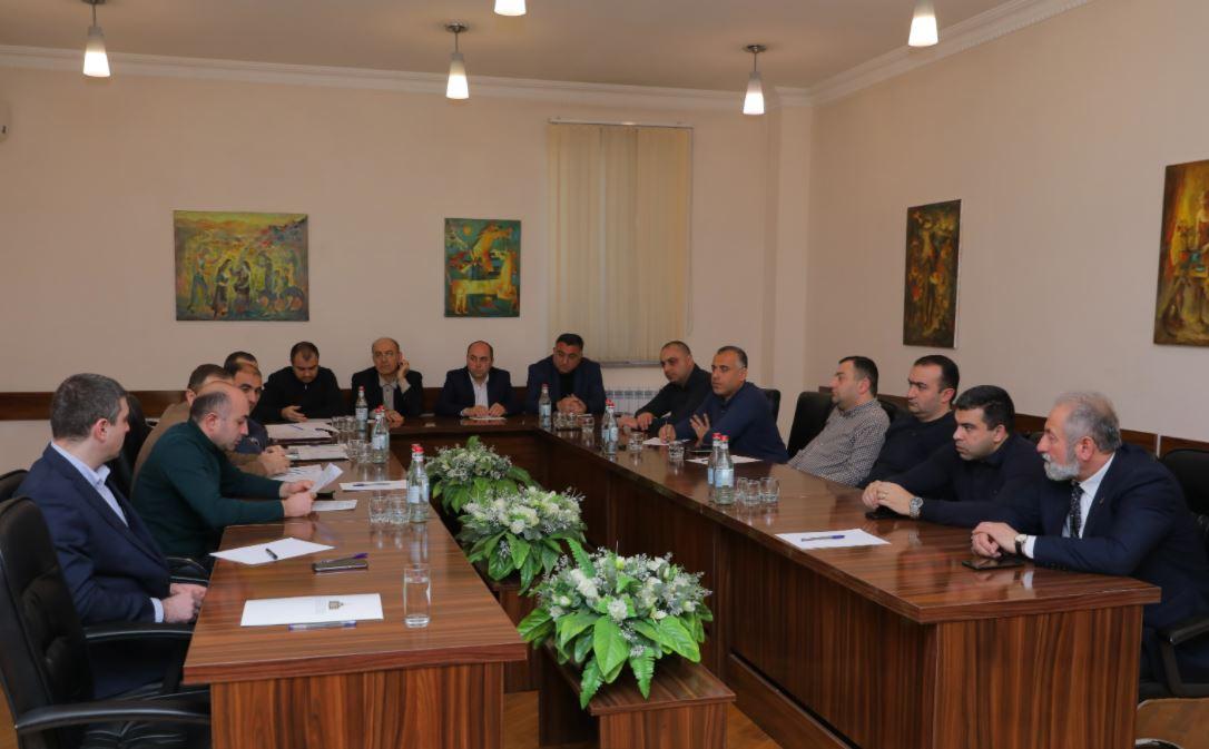 Photo of Արցախի Հանրապետության Ազգային ժողովի արտադրության և արտադրական ենթակառուցվածքների և ֆինանսաբյուջետային և տնտեսական կառավարման հարցերի մշտական հանձանաժողվների համատեղ նիստը