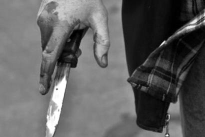 Photo of Երևանում ամուսինը դանակի մի քանի հարված է հասցրել կնոջը, ապա նույն դանակով հարվածել իր սրտին․ բժիշկները պայքարում են նրանց կյանքի համար