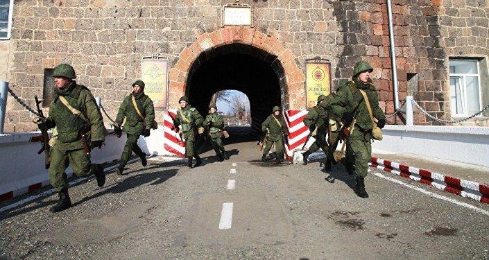 Photo of Հայաստանը հետաքրքրված է Գյումրիում ՌԴ ռազմակայանի ընդլայնմամբ. ՀՀ ՊՆ ղեկավար