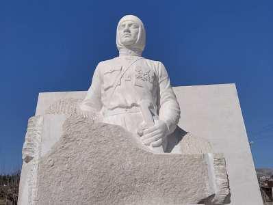 Photo of Արցախի Մարտունի քաղաքում, Նժդեհի արձանը չի ապամոնտաժվել, լուսանկարն արված է այսօր` որպես ապացույց. Սարգիս Ստեփանյան