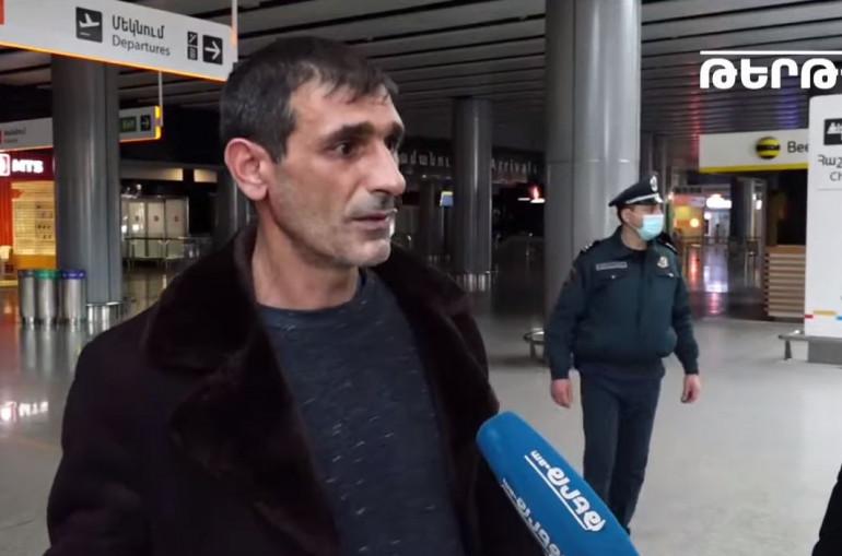 Photo of Գիշերելու ենք օդանավակայանում. պետությունը ոչնչով չի օգնել, պետք է գնանք, որ երեխեքին պահենք․ ՌԴ մեկնած ու հետ ուղարկված քաղաքացի