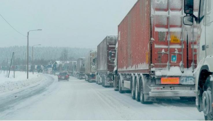 Photo of Լարսը փակ է․ ռուսական կողմում մոտ 400 բեռնատար է կուտակվել