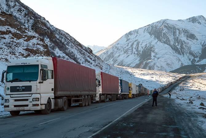Photo of Լարսը փակ է կցորդիչով բեռնատարների համար, ռուսական կողմում կուտակվել է մոտ 600 բեռնատար