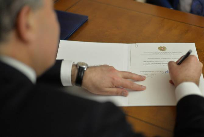 Photo of Սահմանադրությամբ ՀՀ նախագահը կարող է եռօրյա ժամկետում առաջարկությունը կամ միջնորդությունը վերադարձնել դիմողին