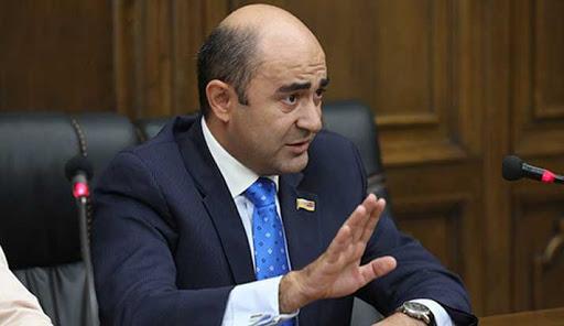 Photo of «Ведь у вас нет столько голосов, чтобы сместить президента. К чему сотрясать воздух?» Лидер парламентской фракции «Просвещенная Армения» Эдмон Марукян