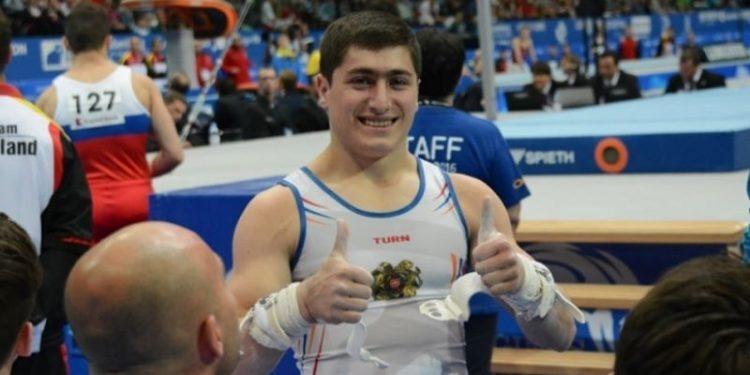 Photo of Մարմնամարզիկ Արթուր Ավետիսյանը նվաճած ոսկե մեդալը նվիրել է իրեն վիրահատած բժշկին